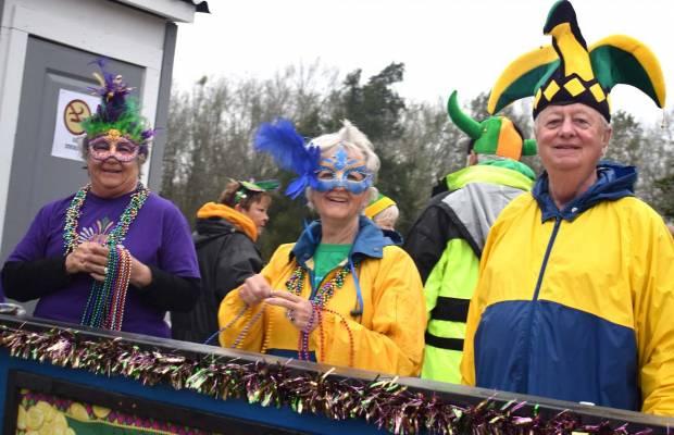 Foley Mardi Gras Parade 2018  sc 1 st  Mullet Wrapper & Foley Mardi Gras Parade 2018 - Mullet Wrapper